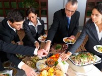 Планирате деловна вечера? Обрнете внимание на однесувањето на маса