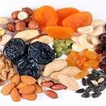 Намалете 3 кг за 3 дена со диетата од сушено овошје и јаткасти плодови