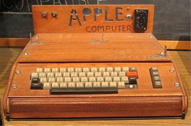 Apple -1 продаден за 905.000 долари