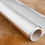 Кажете и збогум на болката со помош на обична алуминиумска фолија