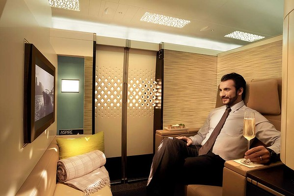 above-first-class-etihad-the-residence-a380-luxury-suites-