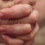 "Дали ""кршењето"" прсти е лошо или добро? (видео)"
