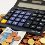 Банкар со 15 години искуство дава корисни совети за парите