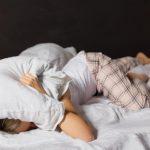 Фантастичен трик да заспиете за само 1 минута и да се пробудите одморени (видео)