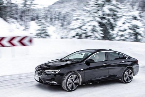 Opel ги објави цените на новата Insignia