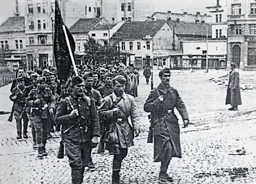 11 октомври- Ден на народното востание, неработен ден за сите граѓани | Денар