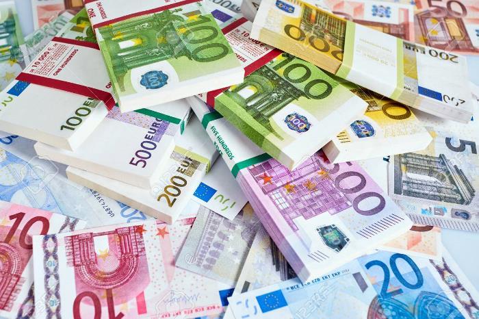 Црногорец на сметка има 32 милиони евра   Денар